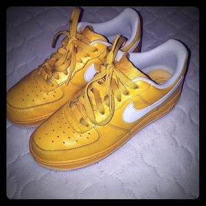 Yellow nike air Force 1's women size 8